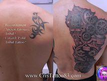 recouvrement tribal avec tatouage bio mecanique