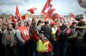 VIDEO. Quelques milliers de personnes protestent contre la réforme des retraites à Paris