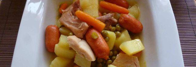 rata de poulet et knacki aux pommes de terre et petits pois carottes