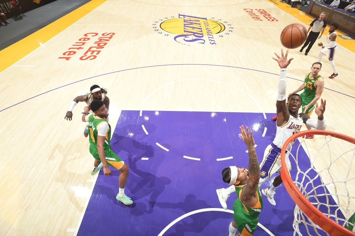 Diminués par les absences de leurs stars LeBron James et Anthony Davis, les Los Angeles Lakers ont cependant réussi à battre l'Utah Jazz (127-115 a.p.), leader de la conférence Ouest, samedi. La franchise de Salt Lake City a joué sans quatre joueurs titulaires : Donovan Mitchell (blessé) ni Rudy Gobert (laissé au repos), ni Mike Conley et Derrick Favors.