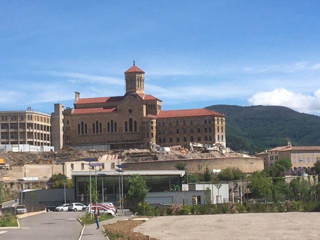 Arrivée à Privas : l'hôpital Sainte-Marie