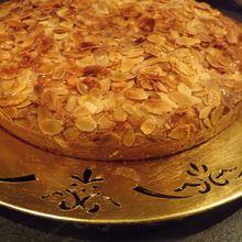 Gâteau au vin pétillant des Cordeliers, aux amandes