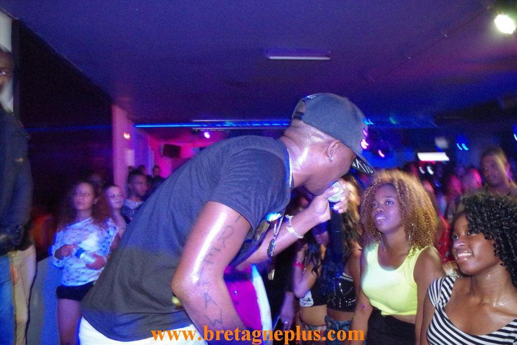 Ce vendredi  27 septembre, la discothèque Le Mango Club, à Rennes, recevait l' artiste Jamaicain Charly Blak