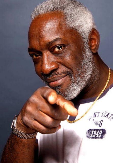 «Jacob DESVARIEUX : musicien humaniste et sympathique du groupe Guadeloupéen KASSAV, le plus Africain des musiciens antillais» par Amadou Bal BA - http://baamadou.over-blog.fr/