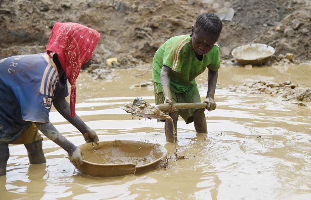 Imágenes tráfico y esclavitud de niños, niñas y bebés en Nigeria.- El Muni.