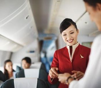 Cathay Pacific dévoile sa nouvelle campagne Move Beyond