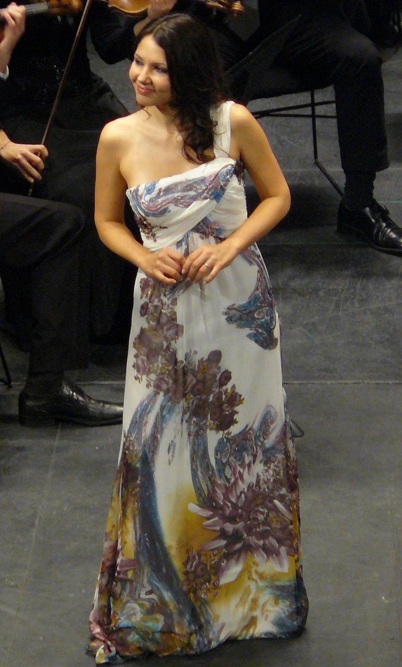 Laura Giordano (Norina)