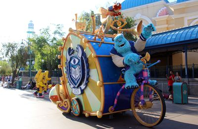 Pixar Play Parade & Operation: Playtime!, les spectacles Pixar à Disney California Adventure (Disneyland Resort)