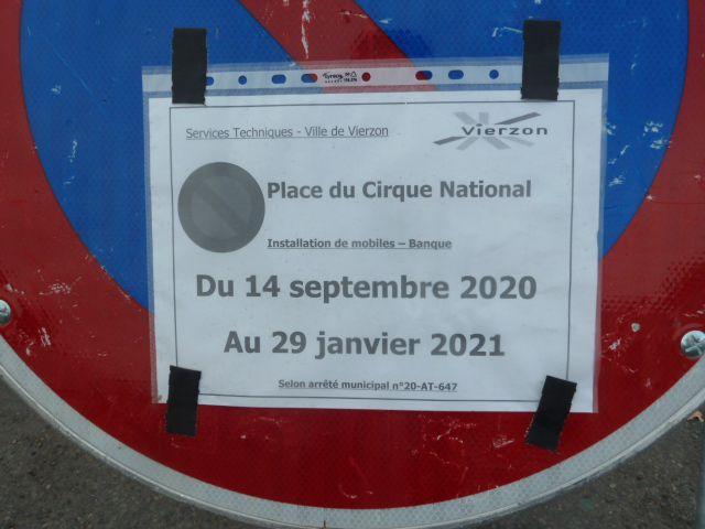 En travaux, la Caisse d'Epargne s'installe sur la place du cirque national Amédée !