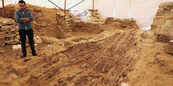 Egypte: Découverte exceptionnelle des restes d'un bateau vieux de 4 500 ans