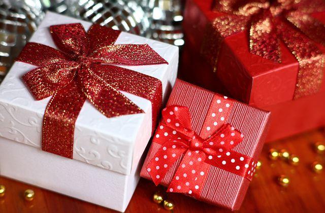 20 idées de cadeaux pour passionnés de Ferrari