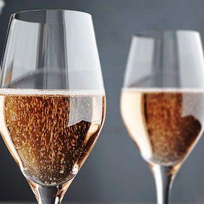 « Brad Pitt et Angélina Jolie produisent un champagne »