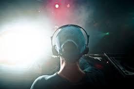Une description du métier d'animateur DJ