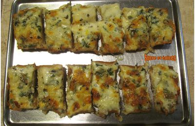 Pain gratiné au fromage et à l'ail - Cheesy garlic bread