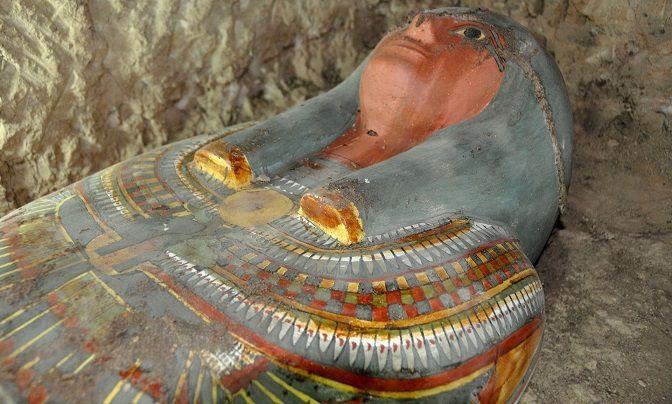 Le sarcophage contenant la momie, découvert près de Louxor. Photo: AFP/Getty Images