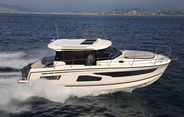 Scoop Nautic de Paris - Jeanneau Merry Fisher 1095, 3 cabines et 2 gros moteurs hors-bord