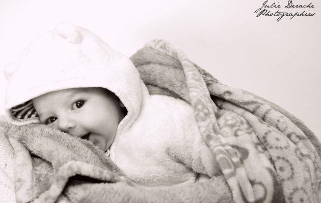 Une jolie séance nouveau né sous le signe de Noël   Photographe naissance Montpellier