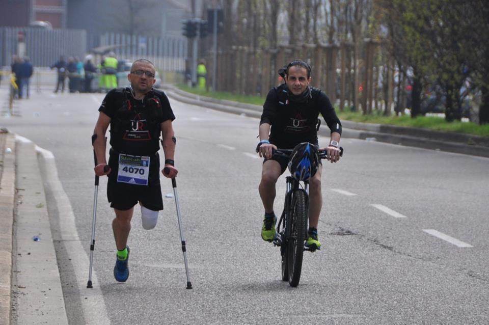 Suissegas Milano Marathon 2016 (16^ ed.). Constantin Bostan finisher su una gamba sola