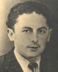 Auguste Duguay, résistant communiste fusillé par les allemands après avoir été atrocement torturé en mai 1944 à Saint-Brieuc - Auguste Duguay , membre costarmaricain du PCF, arrêté à Callac et dirigé vers le camp de Châteaubriant en 1941, relâché le 6 juin 1942 et versé au F.T.P, il combattra dans les rangs de la Cie de Morlaix du Bataillon Yves Giloux. Tombé aux mains de l'ennemi au cours d'un engagement, les soldats allemands l'emmèneront à Saint-Brieuc et le fusilleront en mai 1944 Pour en savoir plus, l'article du maitron: https://maitron.fr/spip.php?article146872