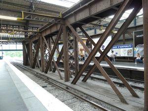 Quai aérien de la ligne 5 du métro Gare d'Austerlitz.