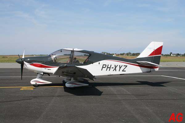 Le Robin DR-400 PH-XYZ.