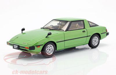 1/18 : La Mazda RX-7 Savanna (SA) AUTOart à seulement 49,95 €