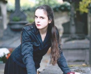 La célèbre romancière Amélie Nothomb est fan de metal !