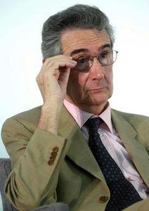 La lunga marcia dei neoliberali per governare il mondo - di Luciano Gallino