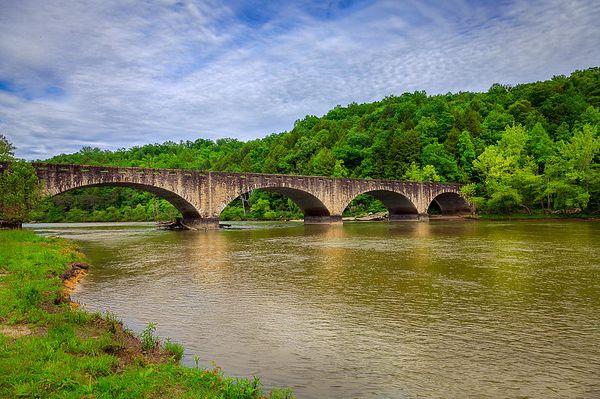18 — Un pont de moins, une cathédrale aussi...