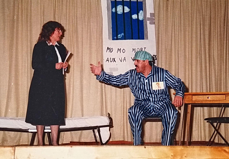 Diverses pièces jouées à la Salle polyvalente dont les célèbres Vamps (Monique et Josiane)  !