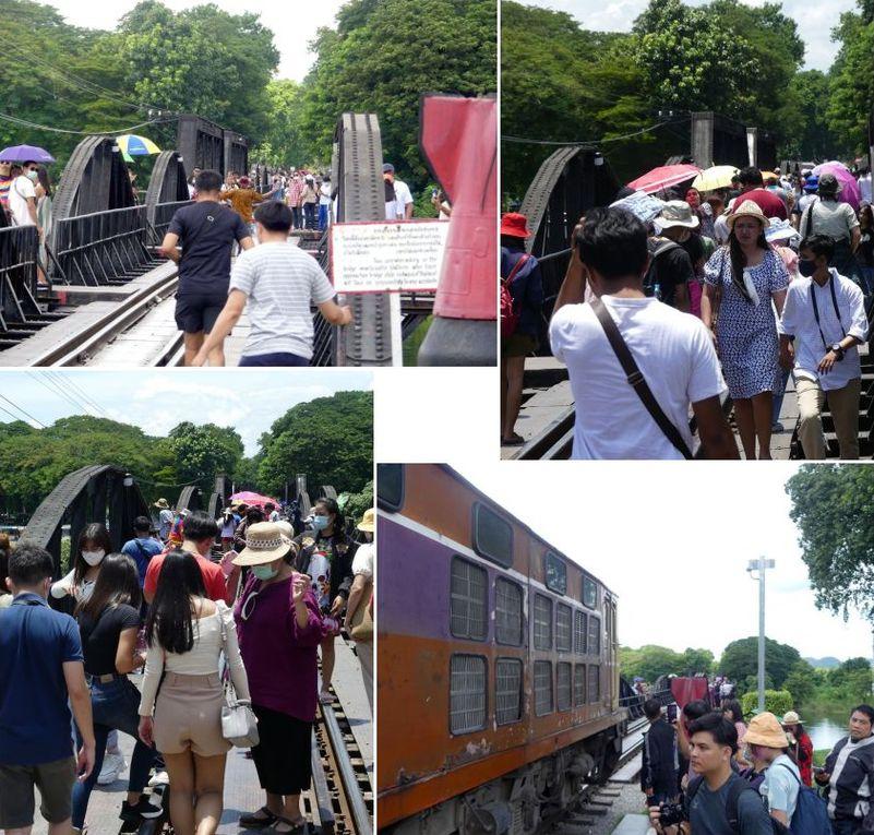 Les touristes sont nombreux (le week-end) à se photographier sur les rails et devant les trains qui l'empruntent.