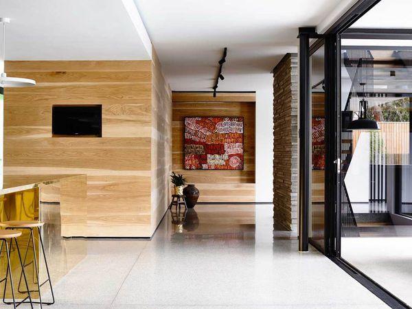 Une maison arty d'un côté et confortable de l'autre