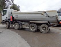 Camion KERAX 8x4 Benne Block Enrochement