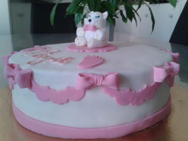Gâteau baptême pour fille.